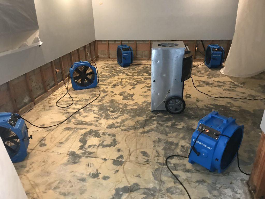 Best things about water damage restoration services you need to know