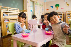 children in montessori education